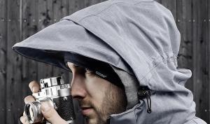 Wetterfest: Regenjacke für die Kamera