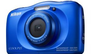 Nikon W100: Bunte Urlaubskamera mit Smartfunktion