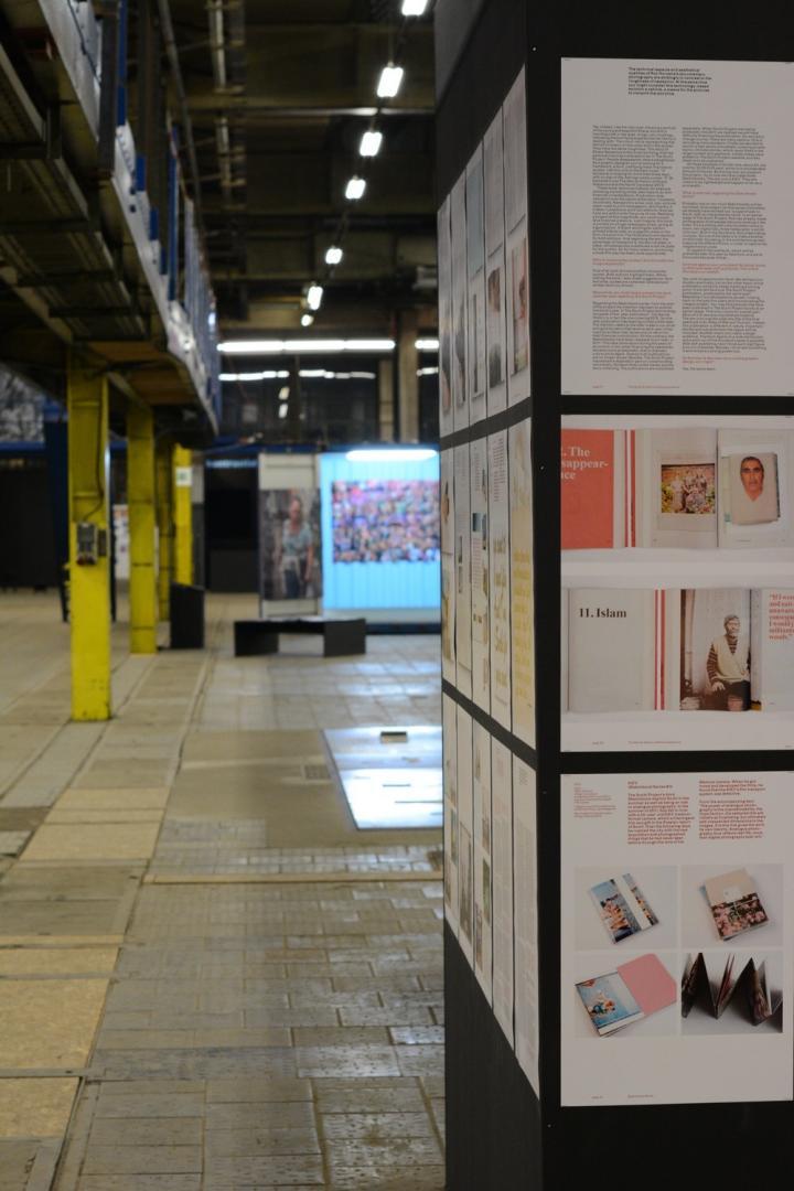 Photobookmuseum fenster zur welt digitalphoto for Fenster zur welt