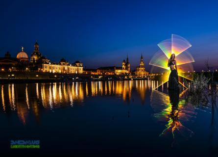 Lightpainting, Elb-Florenz-Girl