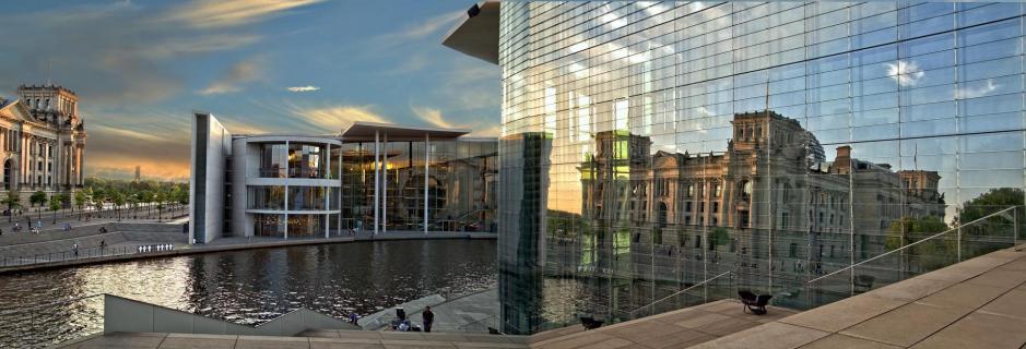 Berlin Regierungsviertel Panoramaaufnahme