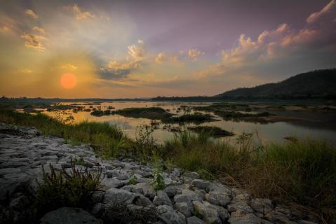Sonnenuntergang am Mekong Fluß in Thailand