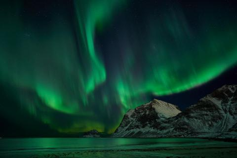 Nachthimmel über den Lofoten