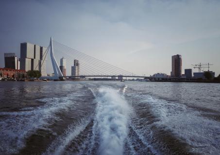 Wassertaxifahrt in Rotterdam