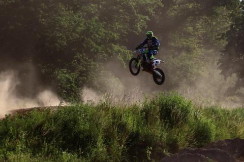 Motorcross Sprung