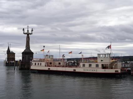 Konstanz Hafeneinfahrt mit Imperia