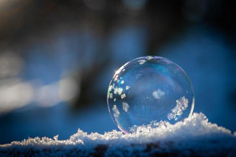 Seifenblase mit Eiskristalle