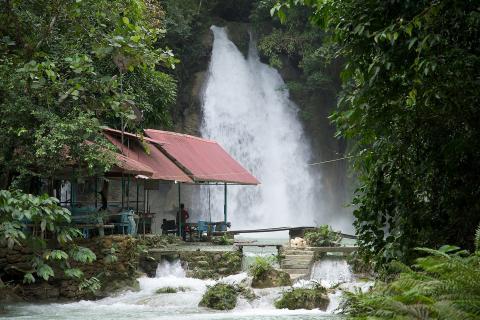 Kawasan Wasserfall auf Cebu, Philippinen