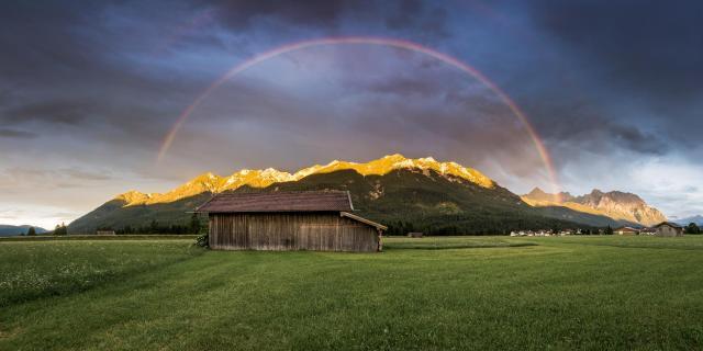 Alpenglow and Rainbow