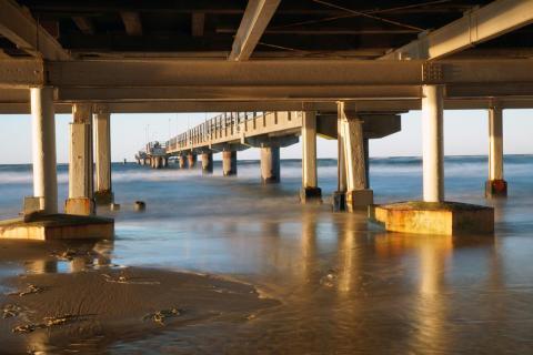 Abendstimmung unter der Brücke