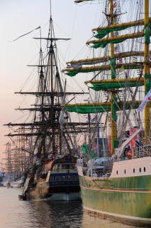 Großsegler im Neuen Hafen