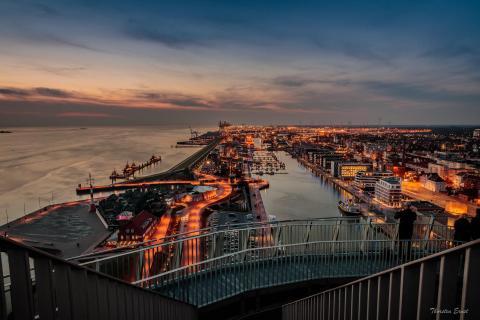 Aussichtsplattform Sail City