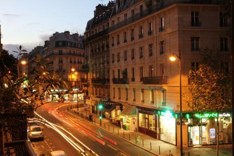 Abendverkehr in Paris