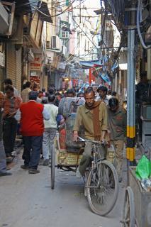 Menschen unterwegs in Delhi III