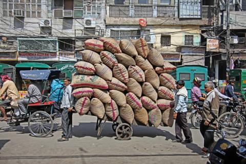 Menschen unterwegs in Delhi II