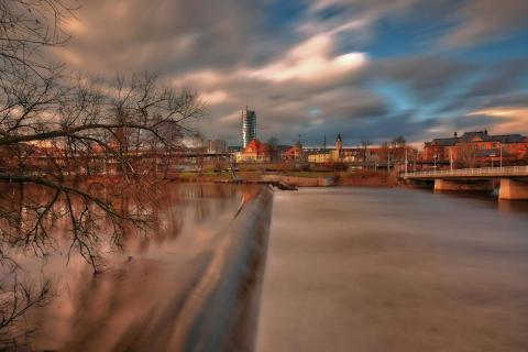 120 Sekunden - Saalehochwasser in Jena