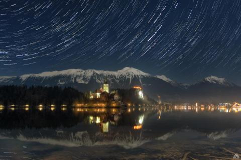Stars o'er the lake shine so bright