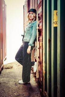 Laura im Hafen
