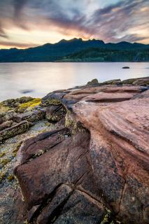 Oceanbreeze on Lava Rocks