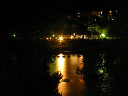 Jelsa bei Nacht