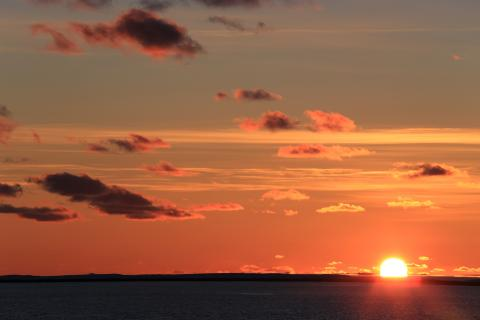 Sonnenuntergung in der Barentssee