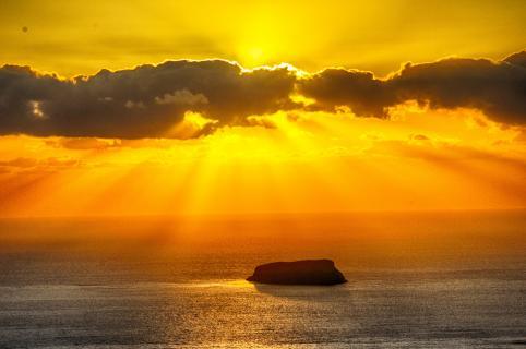 Sonnenuntergang über Aspronisi