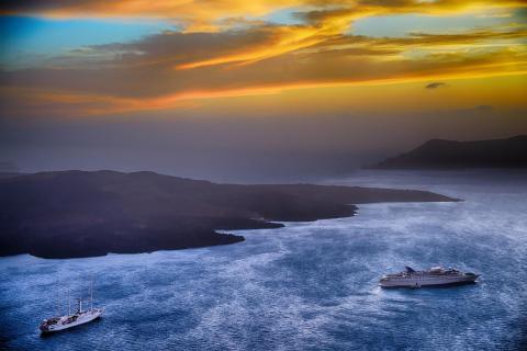 Sonnenuntergang in Fira 1