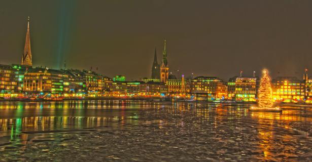 Binnenalster Hamburg in der Weihnachtszeit 2012