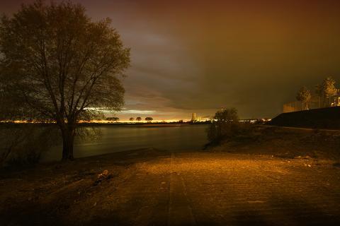 In der Nacht am Rhein