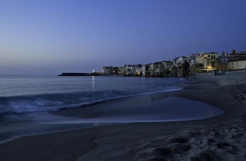 Am Strand von Cefalu