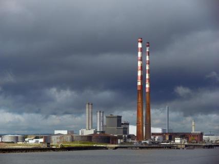 Industriearchitektur am Hafen von Dublin