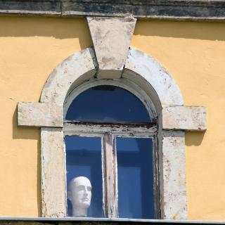 6 Portraet_am_Fenster_Veit_Schagow