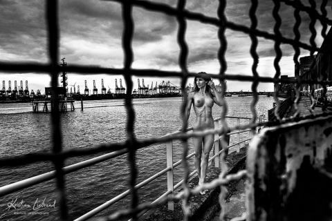 Nude in Public Hamburg Hafen