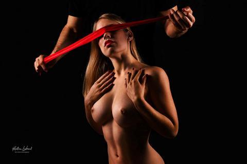 Blindes Vertrauen (Bondage / BDSM Fotoshooting Akt)