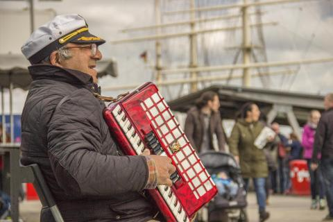 Akkordeonspieler Landungsbrücken Hamburg