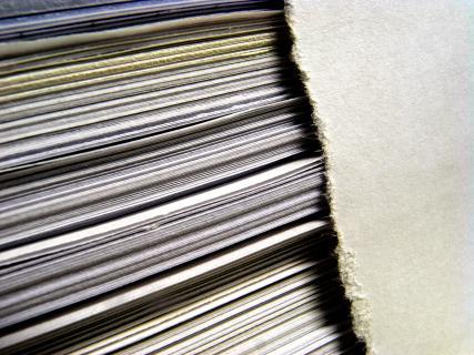Papier - geschichtet und gerissen