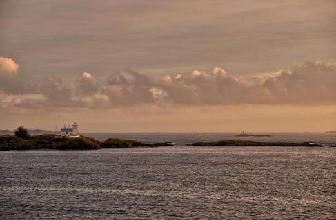 02 Norw Inseln im Licht