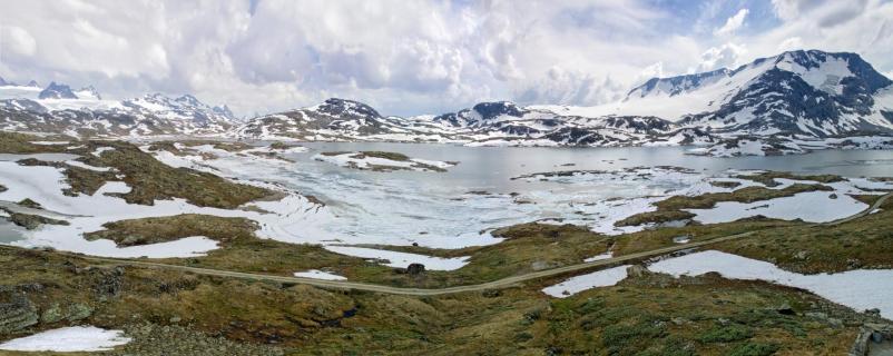 Landschaftspanorama von oben (DJI)