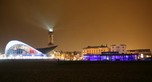 Ostseebad Warnemünde vom Strand aus
