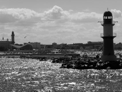 Ostseebad Warnemünde vom Wasser aus