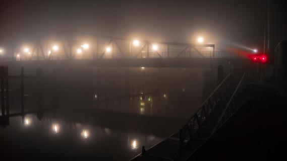 Geestebrücke bei nacht