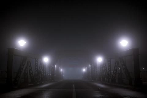 Geestebrücke im neebel