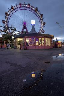 Riesenradspiegelung in PfützeIMG 6030 2
