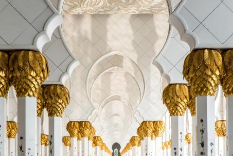 Säulen in weiss und gold 2