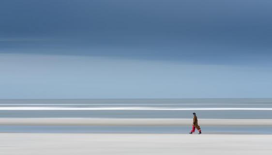 Die Strandgängerin