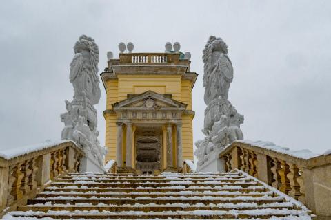 Gloriette im Schnee