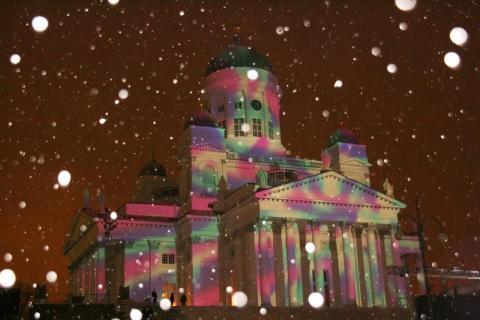 Farbspiel mit Schnee
