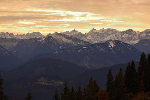 Berge im Abendgold