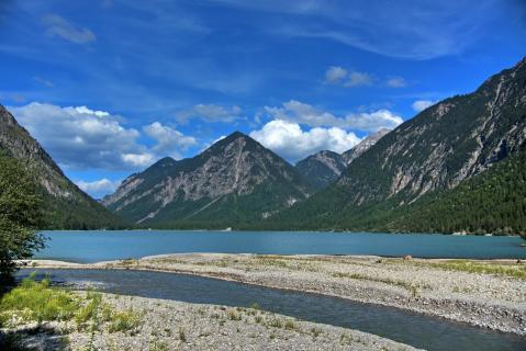 See  Berge_Flusseinlauf