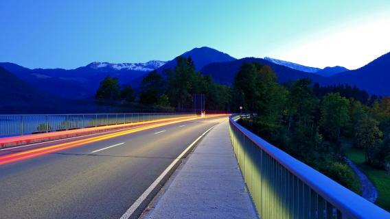 20170921 Empty Road auf der Sylvensteinbrücke_DSCF0878 k